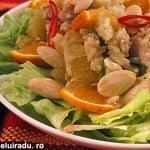 Salata de pui cu portocale si migdale