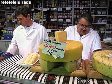 Produse alimentare romanesti la Piata Traian