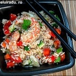 Salata de creveti cu orez si legume