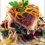 Red snapper cu salata de telina si nuci pecan