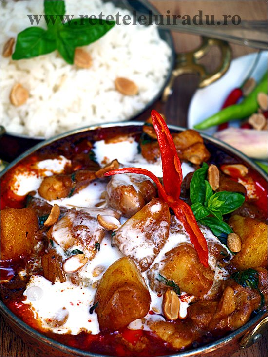Curry massaman de pui