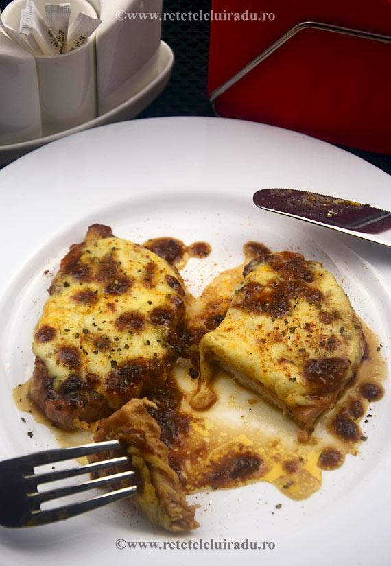 Cotlete-de-porc-caramelizate-si-gratinate