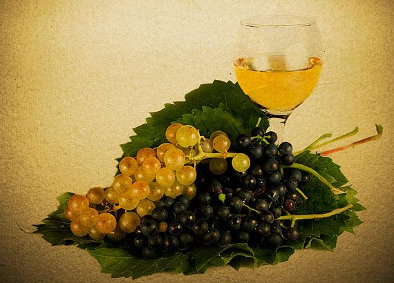 Din secretele vinului - Culoarea. Sursa foto: dreamstime.com