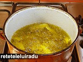 Deep-fry cartofi prajiti