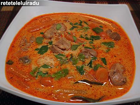 curryGalbenPuiMorcovi - Curry galben de pui cu morcovi 1 - Retetele lui Radu