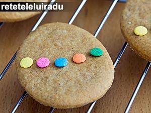 Fursecuri cu bomboane colorate