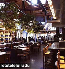 Restaurantul Las Cuinas, din piata Santa Caterina - Barcelona