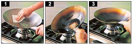 Cum se asezoneaza un wok