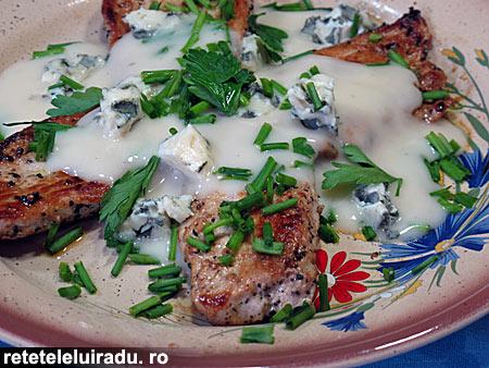 Porc cu sos Roquefort - Porc cu sos Roquefort 1 - Retetele lui Radu