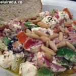 Salată cu branza Feta si masline