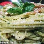 Spaghete cu pesto sicilian