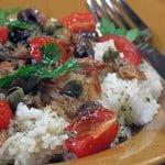 Salata cu peste afumat, masline, capere si orez