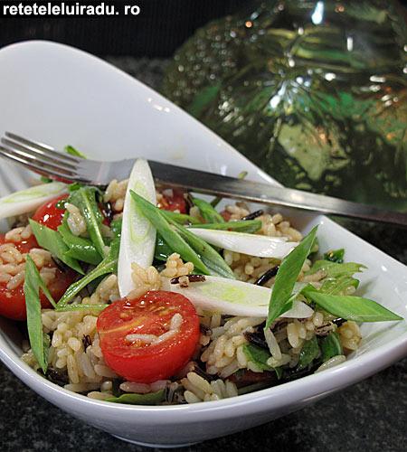 salataOrezRosii - Salata cu orez si rosii cherry 1 - Retetele lui Radu