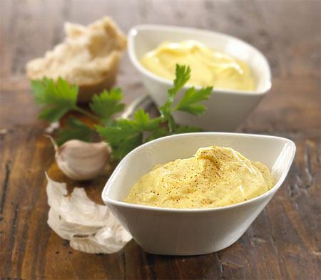 Maioneza - scurt istoric, preparare şi sosuri derivate