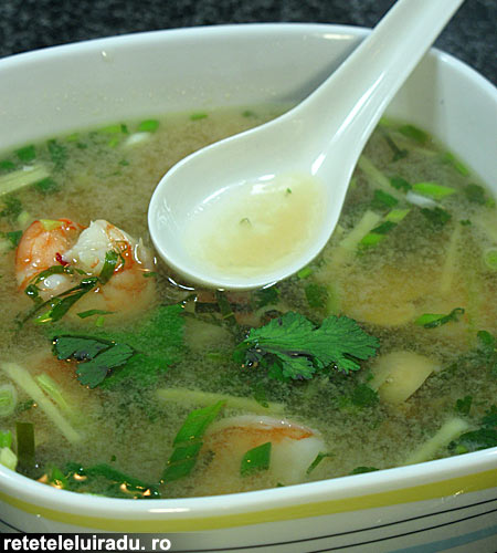 Tom Yum Goong - Tom Yum Goong – Supa de creveti iute-acrisoara 1 - Retetele lui Radu