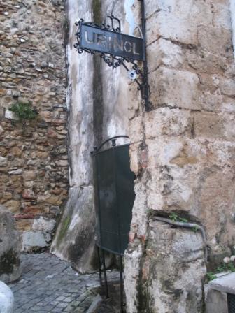 Lisabona: urinarium-ul din Alfama.