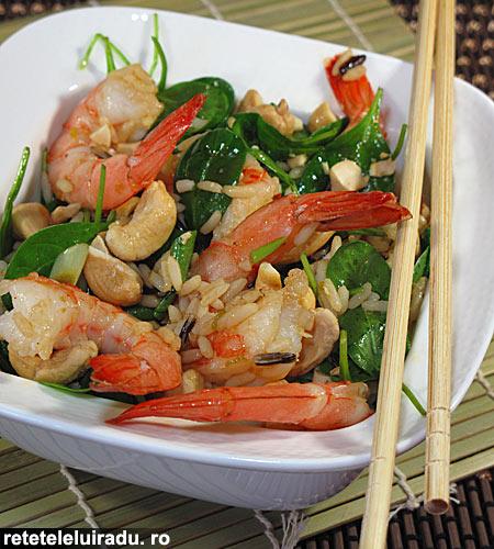 salata de creveti cu alune caju1 - Salata de creveti cu alune caju 1 - Retetele lui Radu