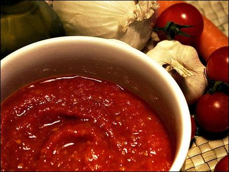 Sos de rosii - sursa foto: www.tomatocasual.com
