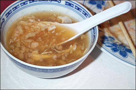Supa din cuiburi de randunica / sursa foto: messofcommentary.files.wordpress.com