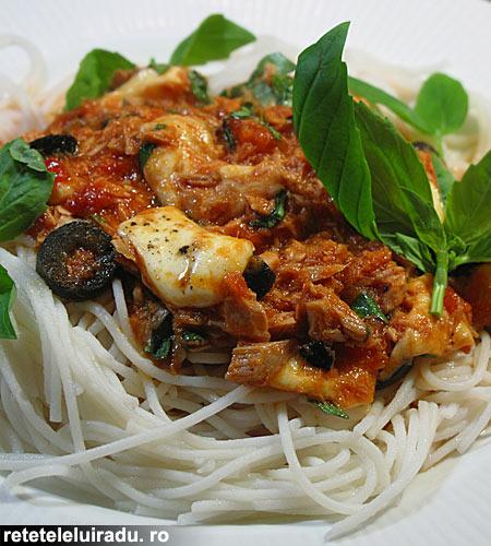 spaghete cu ton si mozzarella1 - Spaghete cu ton si mozarella 1 - Retetele lui Radu