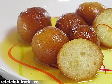 gulab jamun1 - Gulab jamun 1 - Retetele lui Radu