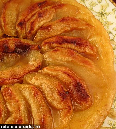 tarta cu mere rasturnata1 - Tarta cu mere rasturnata 1 - Retetele lui Radu