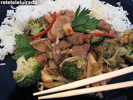 chop suey vita1 - Chop suey cu vita 1 - Retetele lui Radu
