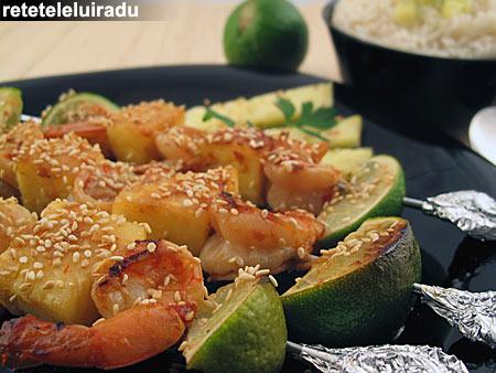 Frigarui de creveti cu ananas si susan