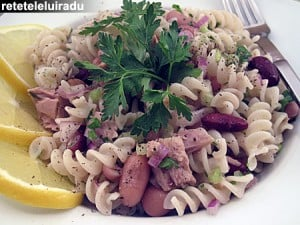 Salata de paste cu ton si fasole1 - Salata de paste cu ton si fasole 8 - Retetele lui Radu