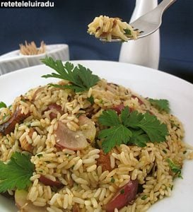 salata de orez cu pui si struguri1 - Salată de orez cu pui şi struguri 1 - Retetele lui Radu