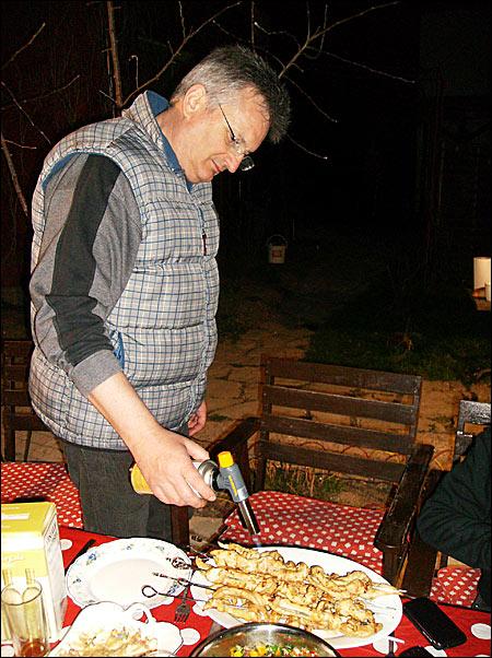 09 - Fun & Grill - martie 2012 9 - Retetele lui Radu