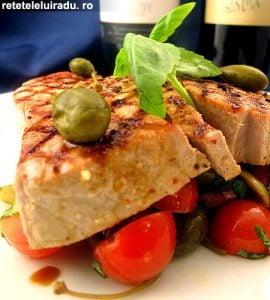 Ton la gratar cu salata mediteraneana11 - Ton la gratar cu salata mediteraneana 28 - Retetele lui Radu