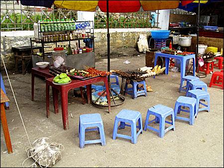 A Vietnamese restaurant at the street - Fotografii de pe papamond (25) 1 - Retetele lui Radu