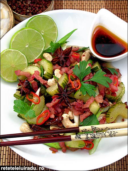 Salata calda de castraveti cu bacon - Salata calda de castraveti cu bacon 1 - Retetele lui Radu