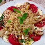 Salata de paste cu rosii, mozzarella si pere
