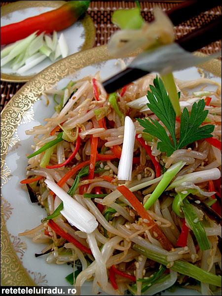 salata de muguri de fasole - Salata de muguri de fasole 1 - Retetele lui Radu