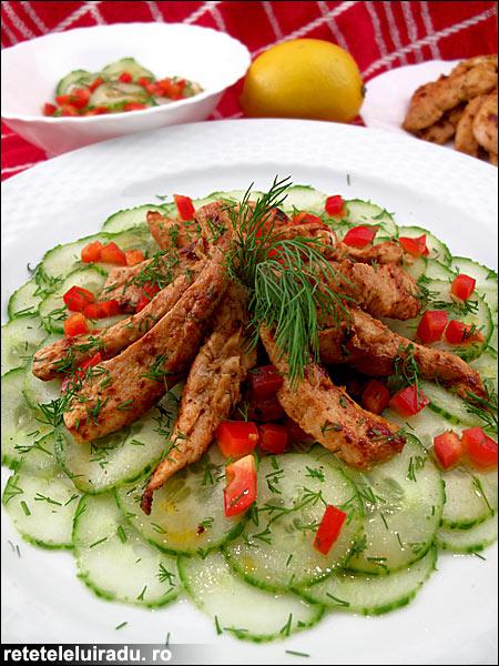 Salata de castraveti cu pui - Salata de castraveti cu pui 1 - Retetele lui Radu