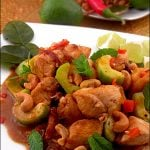 Curry panang de pui cu alune caju