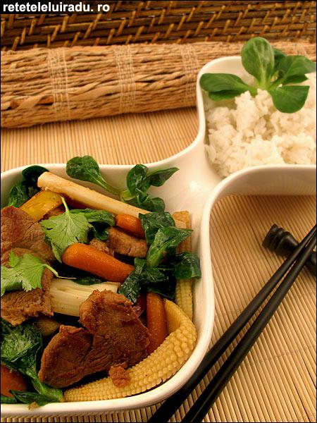 Porc cu ghimbir si legume