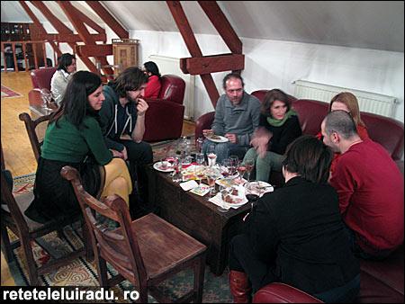 """canapele03 - A fost """"Cină lejeră cu şi pe... canapele"""", martie 2013 3 - Retetele lui Radu"""