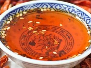uleiSichuan1 - Pe scurt despre uleiul chinezesc aromatizat cu ardei iute 18 - Retetele lui Radu