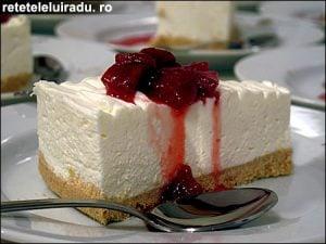 Tort de lamaie cu sos de capsuni1 - Tort de lamaie cu sos de capsuni 21 - Retetele lui Radu