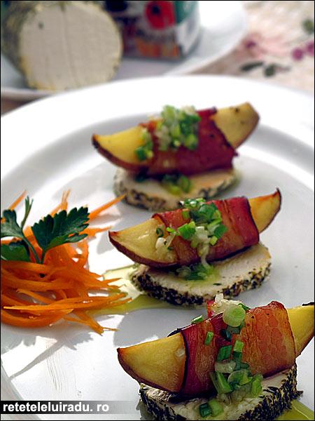 Cartofi inveliti in bacon cu branza de capra - Cartofi inveliti bacon, cu branza de capra 1 - Retetele lui Radu