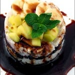 Orez lipicios cu fructe si sirop caramel