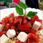 Salata de bulgur cu rosii, patrunjel si branza de capra