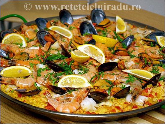 Paella catalana