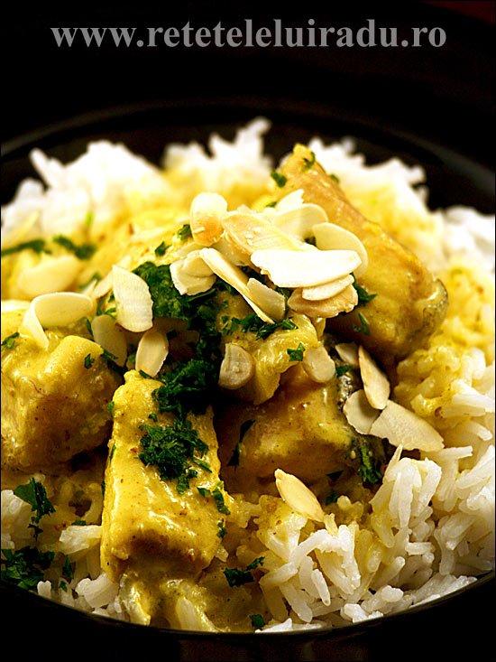 Curry de somn cu lapte de cocos