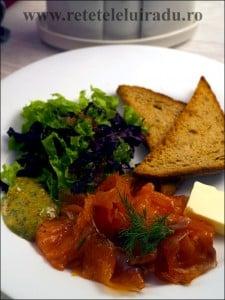 Gravlax cu sos de mustar - Gravlax cu sos de mustar, unt si paine de secara 1 - Retetele lui Radu