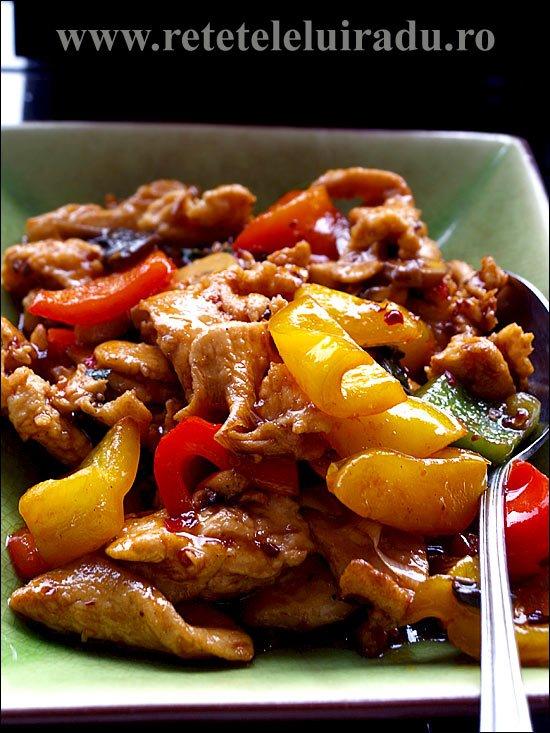 Pui catifelat cu legume si piper de Szechuan