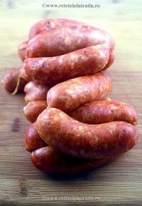 Carnati de porc cu cascaval afumat - Carnati de porc cu cascaval afumat 1 - Retetele lui Radu